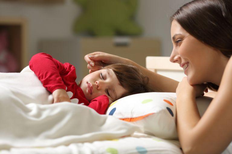 Ο μεσημεριανός υπνάκος βοηθάει τα παιδιά ψυχολογικά και βαθμολογικά