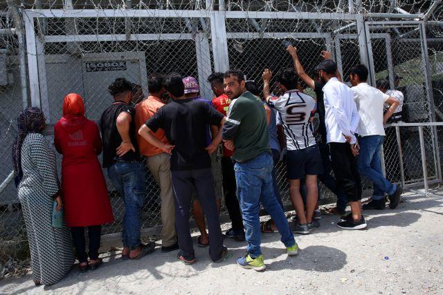 Μειώθηκαν οι αιτήσεις ασύλου στην ΕΕ
