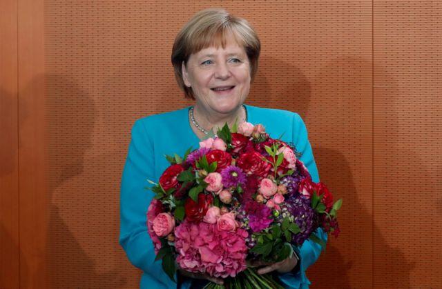 Η Μέρκελ είναι καλά στην υγεία της, διαβεβαιώνει o υπουργός Καγκελαρίας