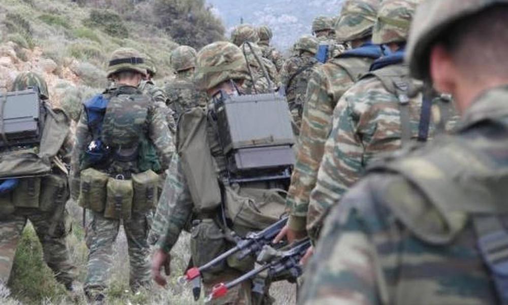 Ανατροπές στις Ένοπλες Δυνάμεις: Τι θα γίνει με προσλήψεις, μεταθέσεις και θητεία;
