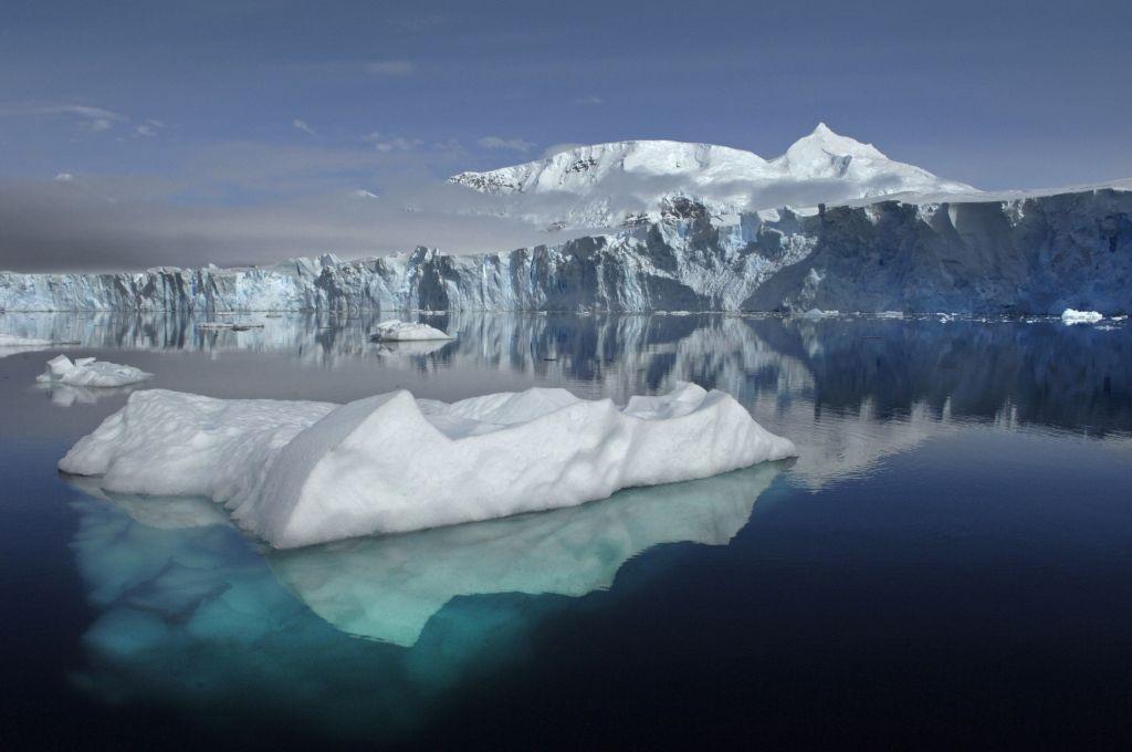 Δραματική συρρίκνωση στους πάγους της Ανταρκτικής – Τι λένε οι επιστήμονες