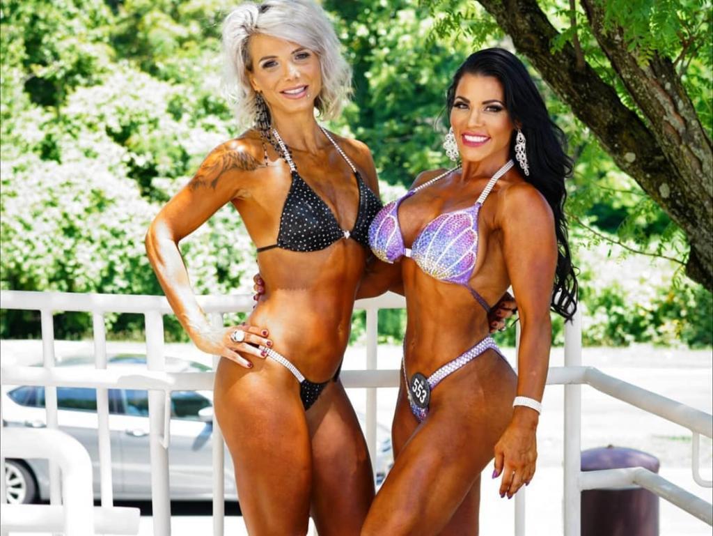 Οι Ελληνίδες τραγουδίστριες που διαπρέπουν στο bodybuilding! (Εικόνες)