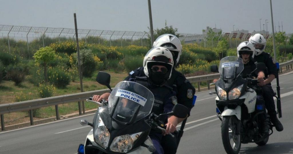 Προσπάθησε να παρασύρει -με το ΙΧ του- αστυνομικούς της ΔΙΑΣ, για να ξεφύγει!