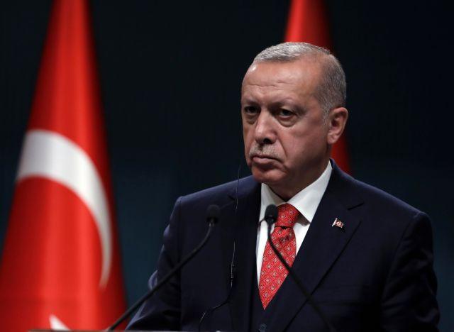 Δημιούργησαν ακόμη και hashtags #ErdoganDied και #ErdoganHeartAttack!