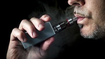 Πρώτος θάνατος που συνδέεται με τη χρήση ηλεκτρονικού τσιγάρου | in.gr