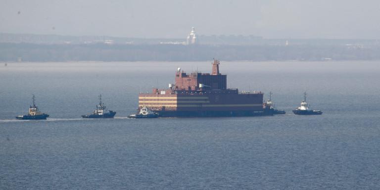 Ο πρώτος ρωσικός πλωτός πυρηνικός σταθμός απέπλευσε στην Αρκτική