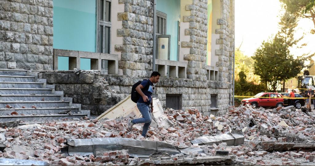 Σεισμός στην Αλβανία: Ανυπολόγιστες υλικές ζημιές – Φοβούνται οι κάτοικοι