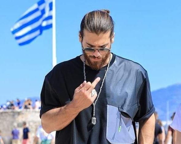 Τζαν Γιαμάν: Τι απαντά για την χειρονομία στην Ακρόπολη | in.gr