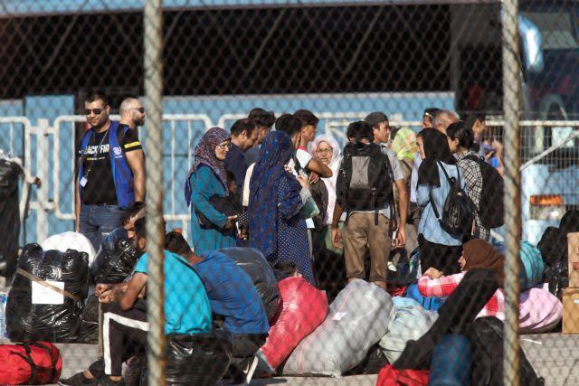 Ασταμάτητες οι ροές προσφύγων και μεταναστών στα νησιά του Αιγαίου | in.gr