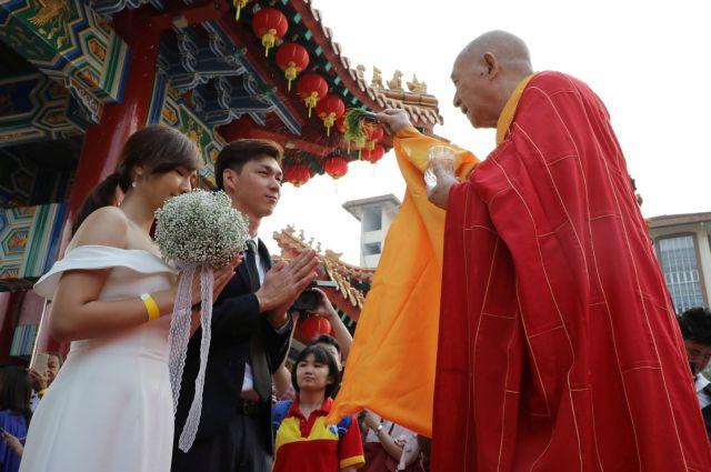 Ποια είναι η τυχερή ημέρα των Κινέζων για να παντρευτούν | in.gr