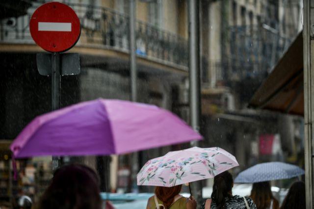 Αλλάζει το σκηνικό του καιρού: Βροχές και καταιγίδες τις επόμενες ώρες!