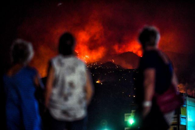 Ολονύχτια μάχη με τις φλόγες σε Λουτράκι και Πύργο! (Φωτό - Βίντεο)