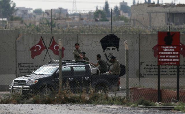 Reuters : Η λίρα η «αχίλλειος πτέρνα» της Τουρκίας στη Συρία