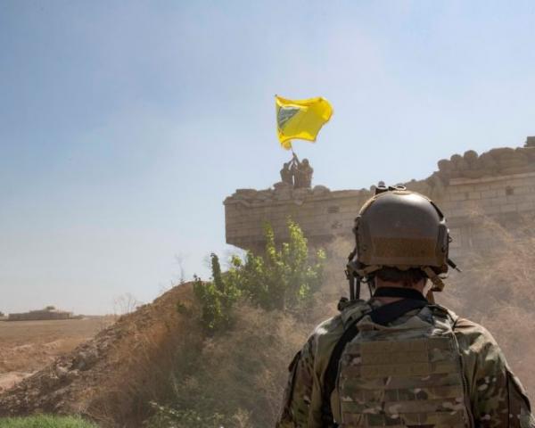 Οι Κούρδοι στρέφονται σε Δαμασκό και Μόσχα μετά την αποχώρηση των Αμερικανών