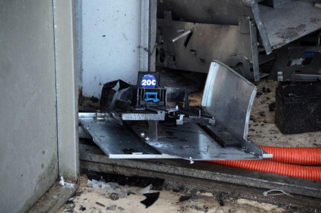 Γλυφάδα : Μεγάλες ζημιές από έκρηξη ΑΤΜ τα ξημερώματα