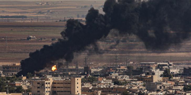 Γιατί όλοι σφυρίζουν αδιάφορα στην εισβολή των Τούρκων στη Συρία | in.gr