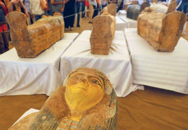 Εντυπωσιακή ανακάλυψη στην Αίγυπτο : Βρέθηκαν θαμμένες 30 σαρκοφάγοι