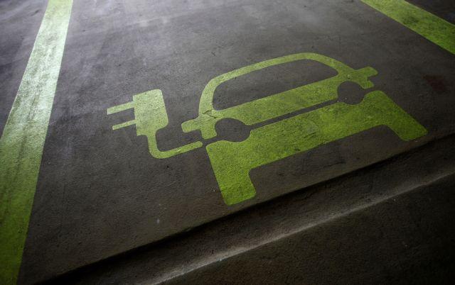 Νέα προοπτική στη διαδικασία φόρτισης των αυτοκινήτων μέσω της περιστροφής των ελαστικών
