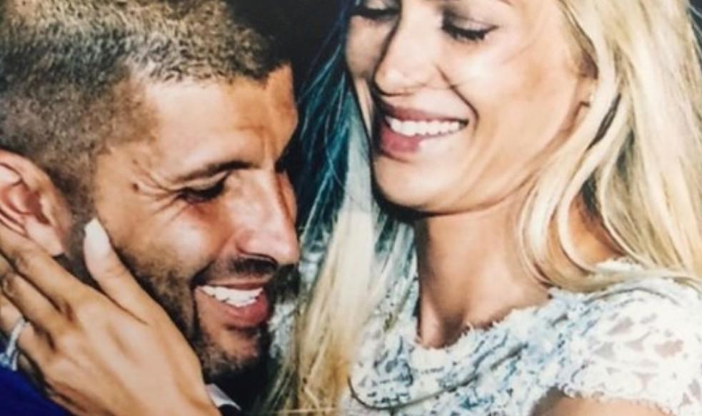 Βικτώρια Καρύδα : Οι συγκινητικές αναρτήσεις έναν χρόνο μετά τη δολοφονία του συζύγου της | in.gr