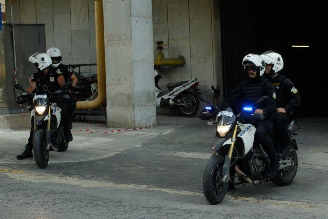 Τροχαίο με αστυνομικούς της ΔΙΑΣ στη λεωφόρο Βραυρώνας – Δύο τραυματίες
