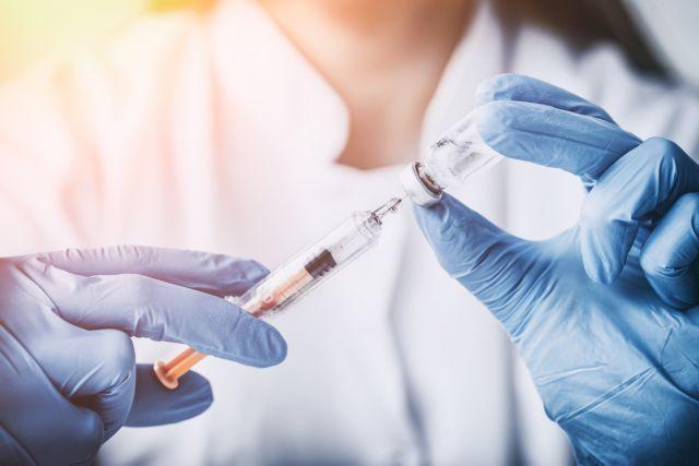 Ερωτηματικά εάν τα δημόσια ιδρύματα ακολουθούν το πρόγραμμα εθνικού εμβολιασμού