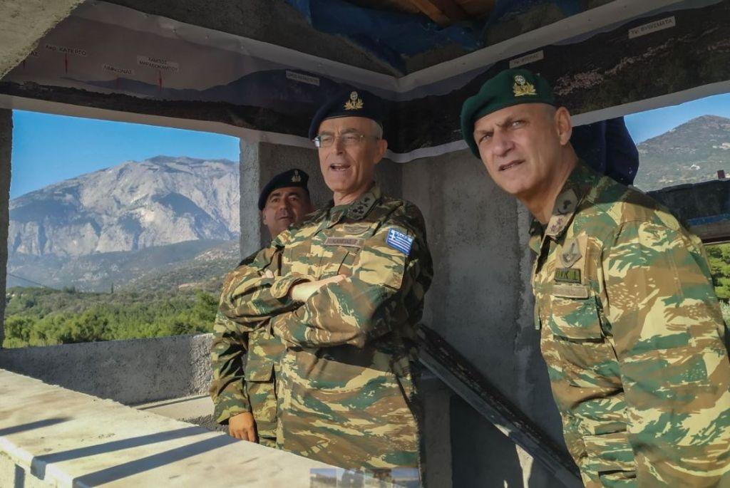 Σε φυλάκια σε Σάμο και Ικαρία ο αρχηγός ΓΕΣ | in.gr