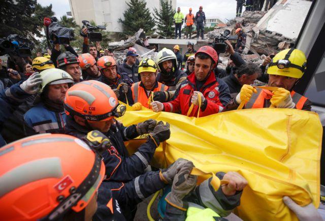 Σεισμός στην Αλβανία : Συνεχίζουν να αναζητούν αγνοούμενους – Έχουν γίνει 500 μετασεισμοί