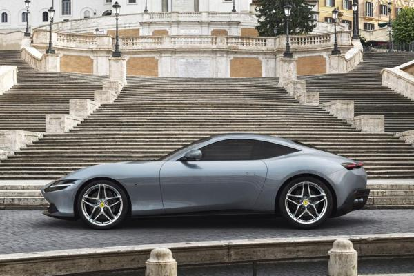 This image has an empty alt attribute; its file name is ferrari_roma_02-600x400.jpg