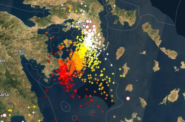 Βικτώρια : Στην Αττική μέτωπο με ισχυρές καταιγίδες | in.gr