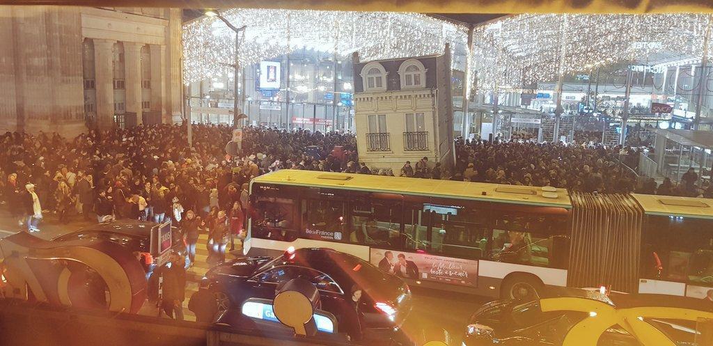 Αναστάτωση και στο Παρίσι: Εκκενώθηκε σταθμός λόγω ύποπτης τσάντας
