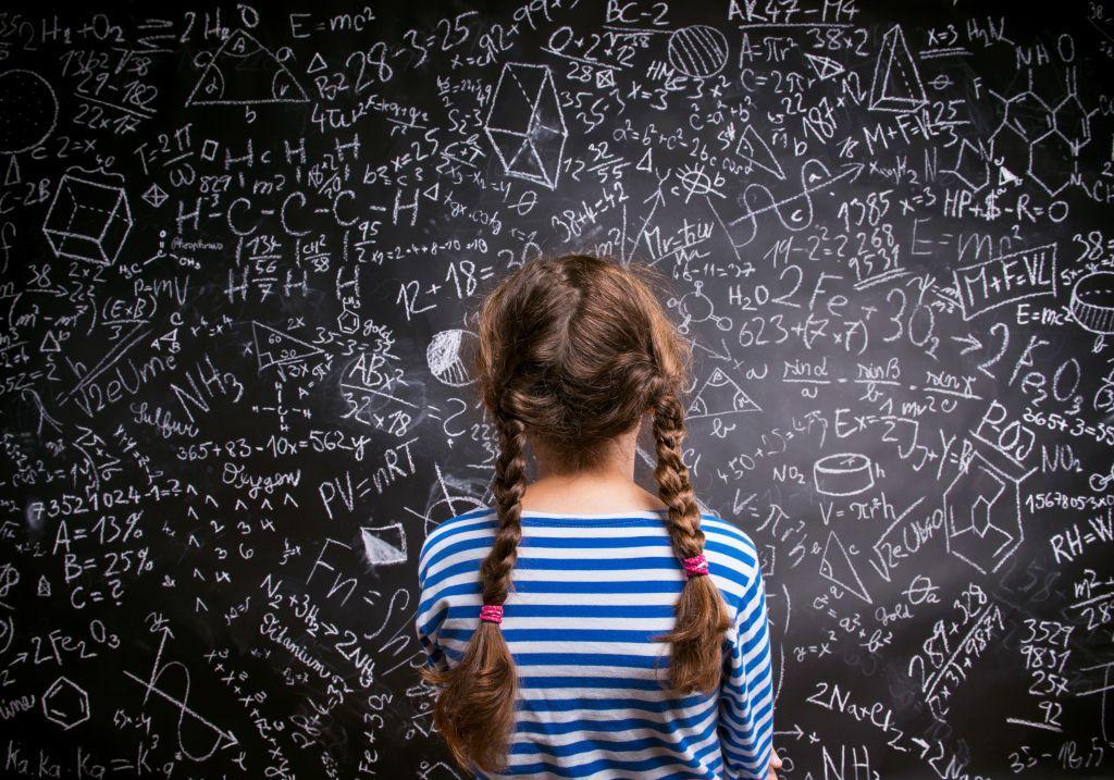 Νέα έρευνα καταρρίπτει τον μύθο ότι τα κορίτσια υστερούν στα μαθηματικά