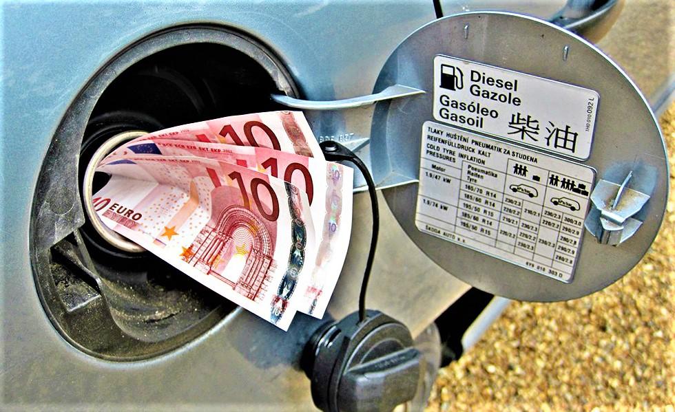 Χρέωσε την Ομοσπονδία 50.000 € για βενζίνη!