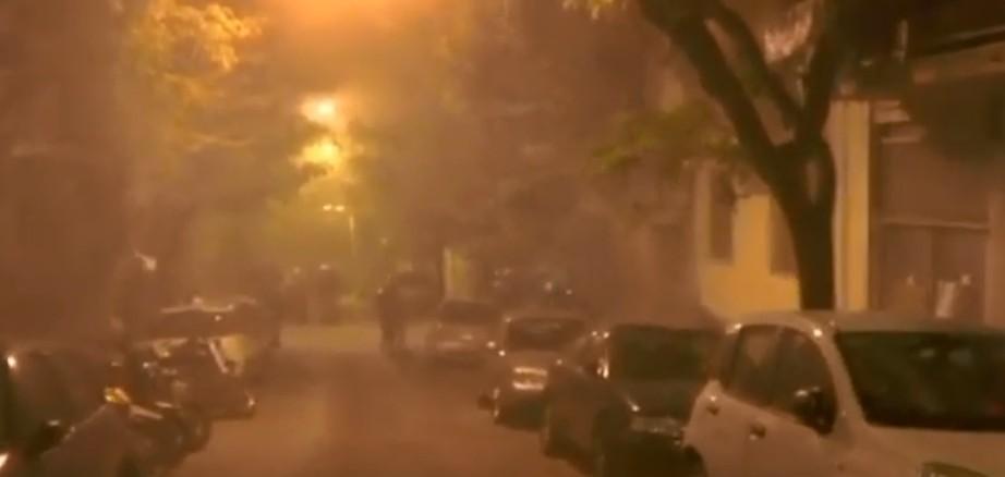 Κουκάκι : Χημικά και κρότου λάμψης από την αστυνομία