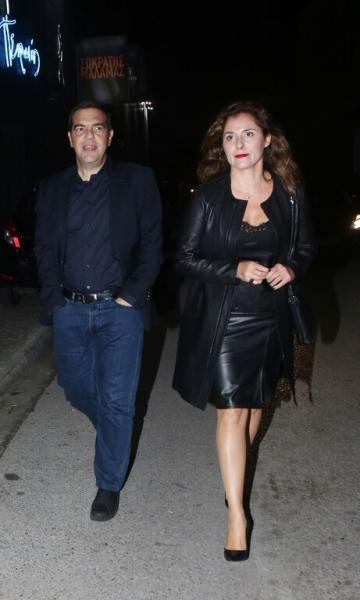 Μπέττυ Μπαζιάνα: Μετατράπηκε σε fashion icon σε έξοδο με τον Τσίπρα (εικόνες)