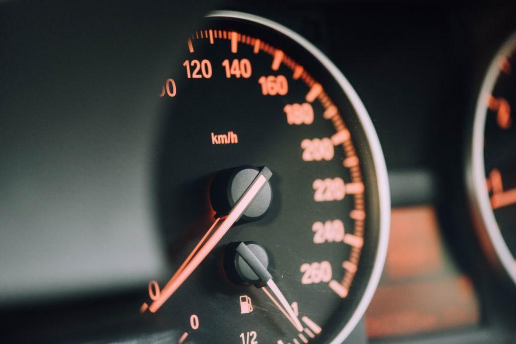 Όλες οι αλλαγές που ετοιμάζει το Υπ. Μεταφορών: Άδειες οδήγησης, μεταβιβάσεις αυτοκινήτων, point system με ένα κλικ | in.gr