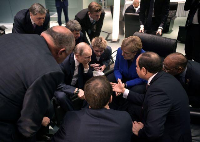Χαφτάρ – Σάρατζ : Πώς θα κινηθούν οι ορκισμένοι εχθροί της Λιβύης μετά τις αποφάσεις στο Βερολίνο