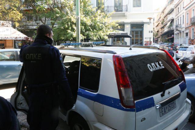 Εξάρχεια : Αστυνομική επιχείρηση για ναρκωτικά με προσαγωγές και συλλήψεις