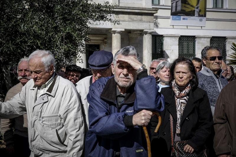 Σβήνουν πρόστιμα σε συνταξιούχους