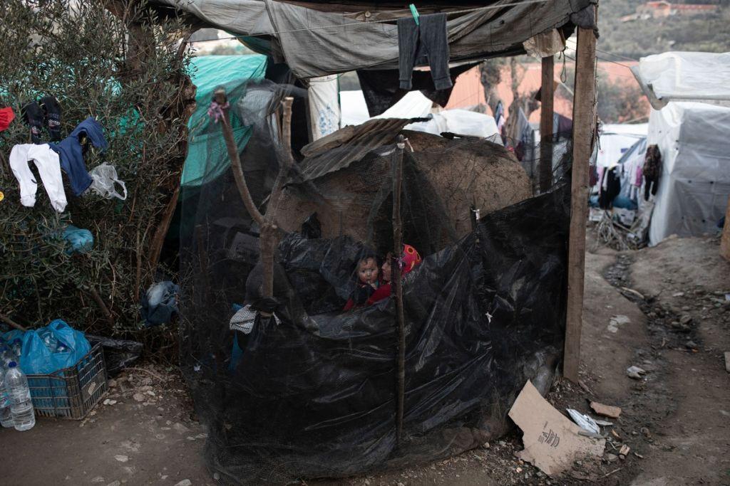 Προσφυγικό: Μπουλντόζες «προσεχώς» για τα κλειστά κέντρα στέλνει η κυβέρνηση – Διάλογο από το μηδέν ζητούν οι νησιώτες | in.gr