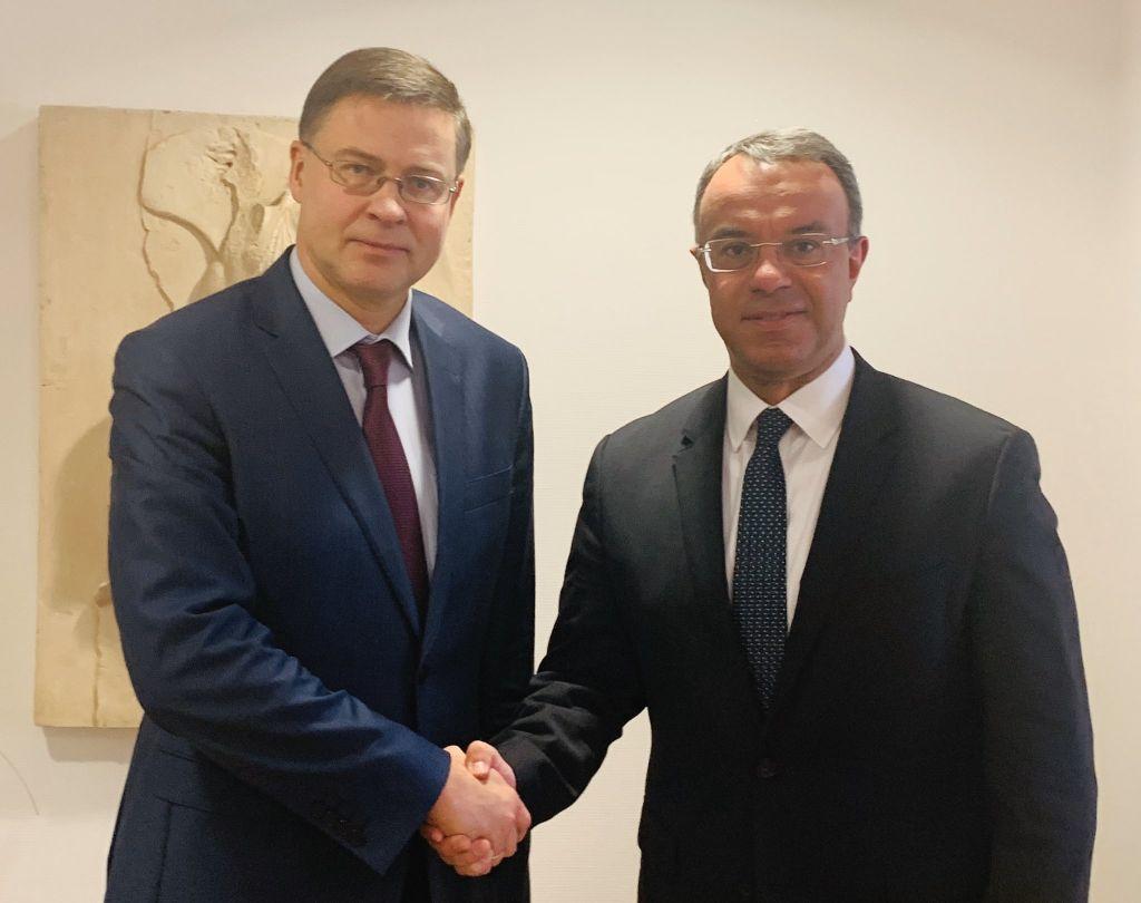 Για υψηλή και βιώσιμη ανάπτυξη συζήτησαν Σταϊκούρας και Ντομπρόβσκις, μετά το «παράθυρο» για τα πλεονάσματα! (Φωτό–Βίντεο)