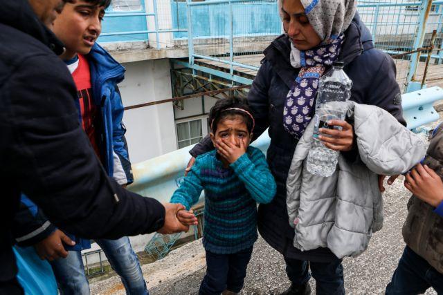 Μυτιλήνη: «Ελευθερία» ζητούν οι πρόσφυγες – Με χημικά ακόμα και σε παιδιά απαντάει η ΕΛ.ΑΣ