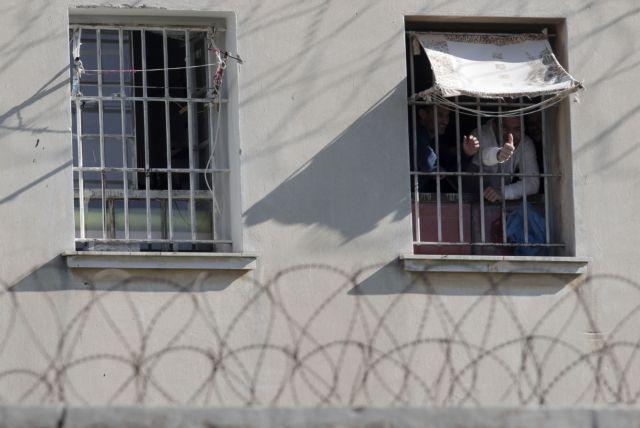Φυλακές Κορυδαλλού: Μέχρι και τζακούζι βρήκαν σε κελί – Οι κρατούμενοι έπαιζαν χαρτιά και έκαναν πάρτι