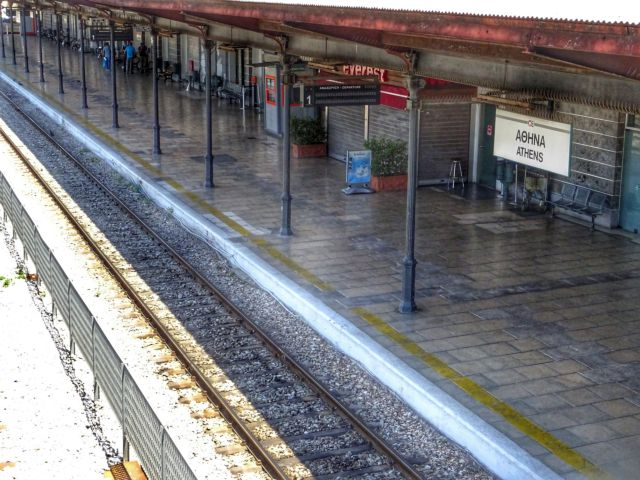 Απεργία ΟΣΕ: Επανέρχονται δρομολόγια τραίνων και προαστιακού μετά τις απειλές Καραμανλή
