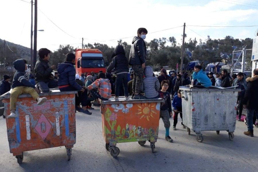 Μυτιλήνη : Πορεία διαμαρτυρίας προσφύγων από τον καταυλισμό της Μόριας
