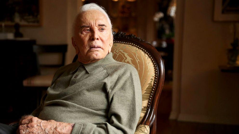 Πέθανε στα 103 του ο θρύλος Κερκ Ντάγκλας