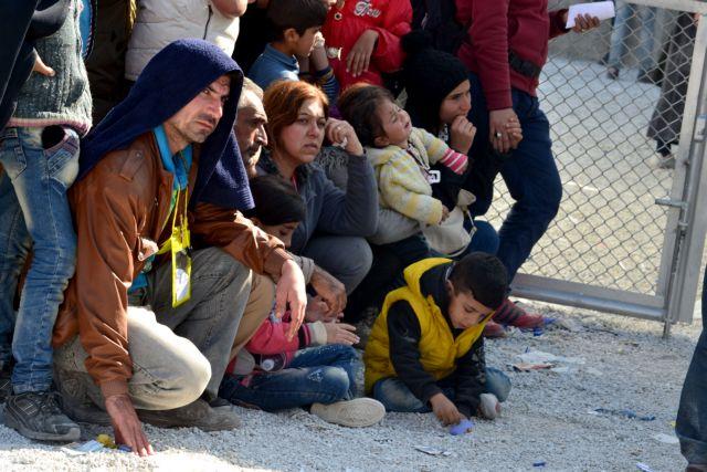 Προσφυγικό: Ούτε βήμα πίσω από την κυβέρνηση για τα κλειστά Κέντρα – Στην Αθήνα οι νησιώτες