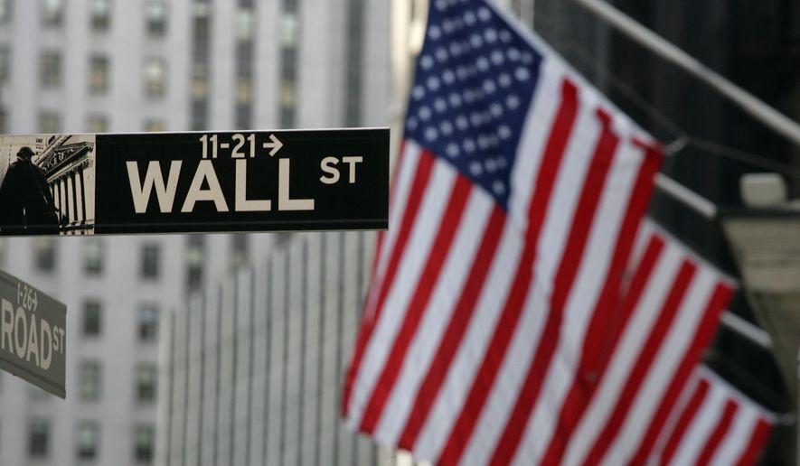 Πανικός δίχως φρένο στη Wall Street – Βουτιά πάνω από 1.000 μονάδες ο Dow Jones