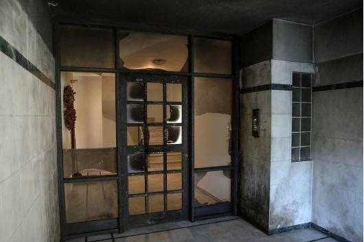 Οι «Αναρχικές Ομάδες Νυχτερινών Επισκέψεων» πίσω εμπρηστικές επιθέσεις σε σπίτια δημοσιογράφων και πολιτικών