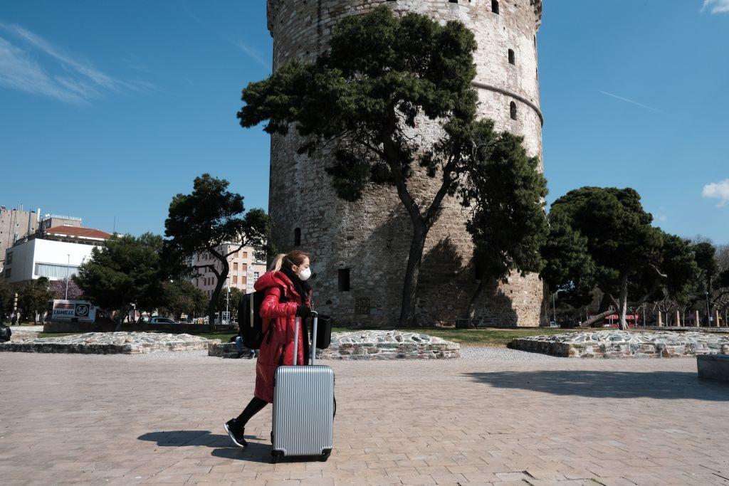 Απαγόρευση κυκλοφορίας : Αναλυτικός οδηγός για τις μετακινήσεις | in.gr