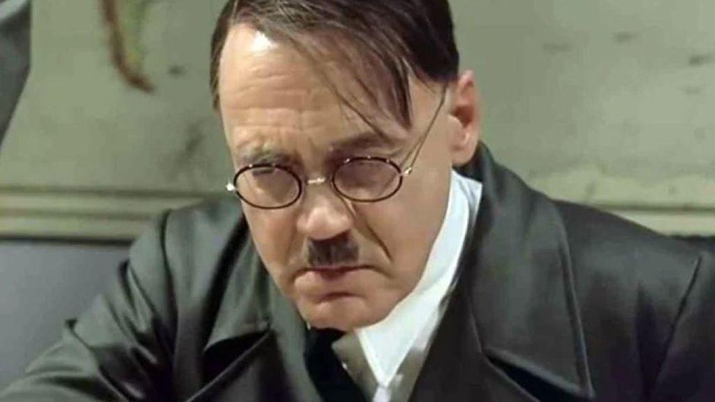 Απολαυστικό βίντεο: Ο Χίτλερ γίνεται έξαλλος με τους Έλληνες που «Μένουν Σπίτι»   in.gr